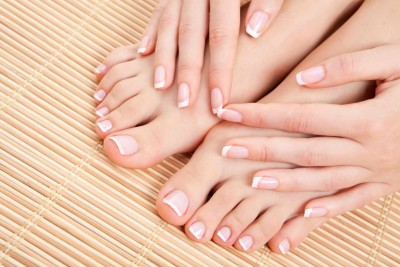 HOW TO GET STRONG NAILS